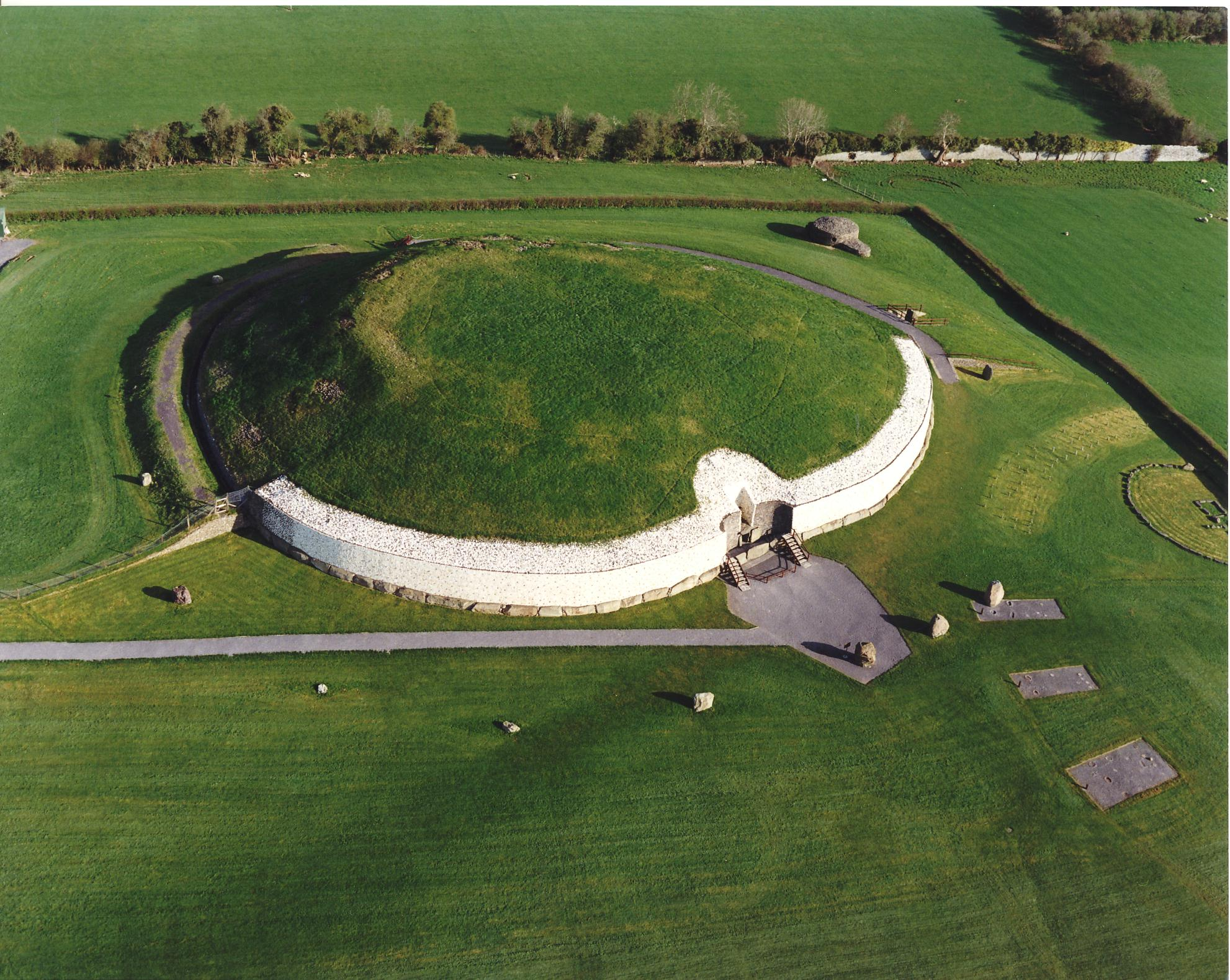 newgrange-ancient-moument-ireland